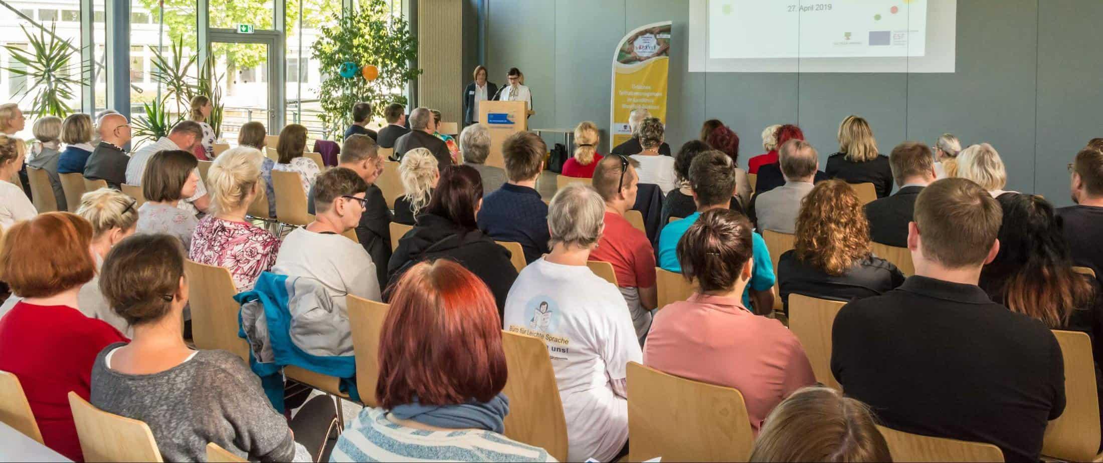 """Zur Auftaktveranstaltung der Aktionswochen """"Gemeinsam für Inklusion in Mansfeld-Südharz sind viele Fachkräfte aus der Behidertenhilfe erschienen."""